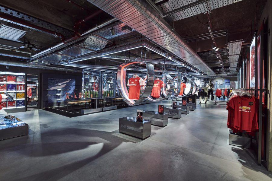 Víspera de Todos los Santos Mentor Paloma  A look inside Adidas' new digitally-enhanced London flagship store - GRA
