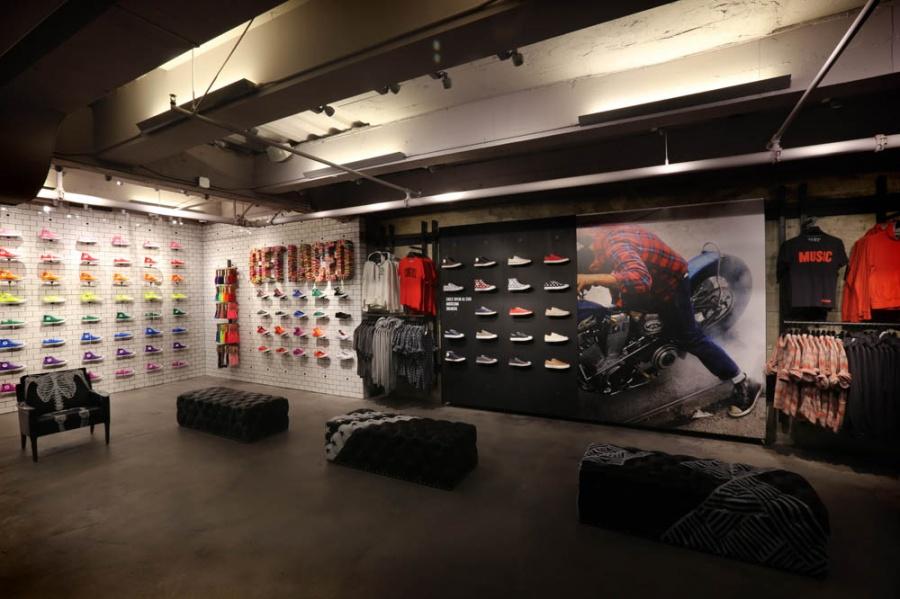 3796e9d9584fb7 Converse to open first UK store - GRA